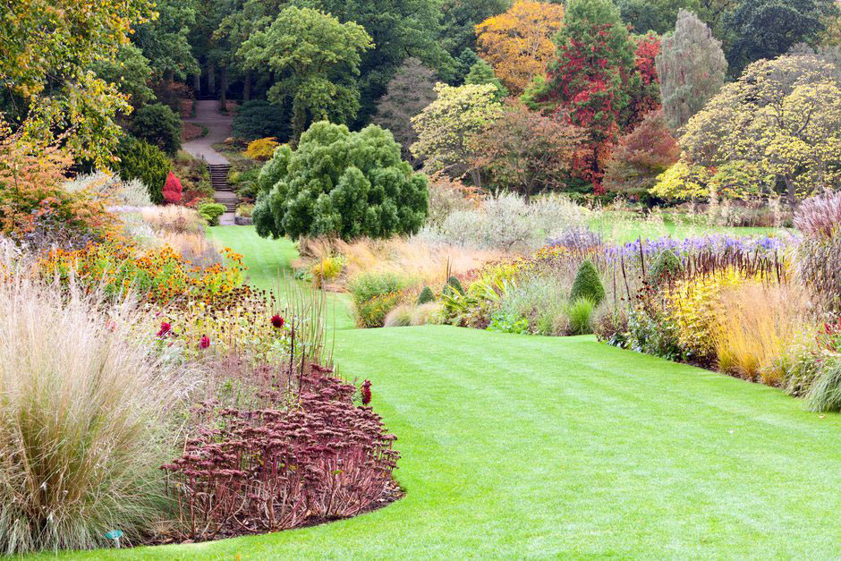 The Main Borders in full autumnal glory