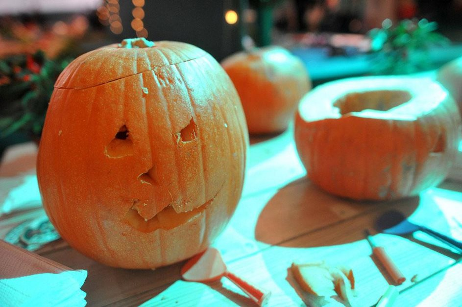 Make a pumpkin lantern